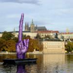 David Cerny – Un dito puntato contro il castello