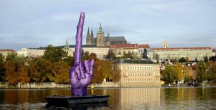 Il dito medio di David Cerny