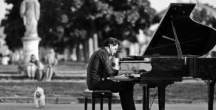 Paolo Zanarella, Il Pianista fuori posto