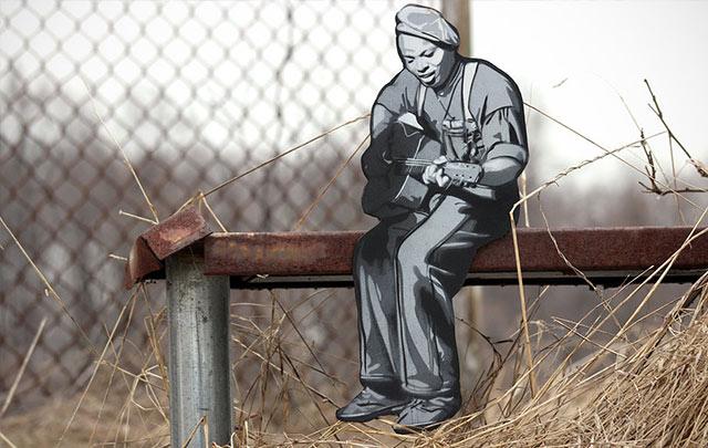 Tiny Wooden Figures Street Art