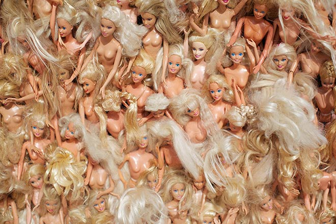between 3,000 and 5,000 barbie dolls have been used in the sculpture - photo by jarred seng / courtesy of sculpture by the sea