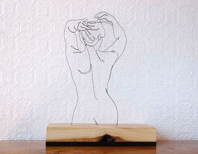 Wire Sculpture - Her Back - Steel wire and poplar, 20