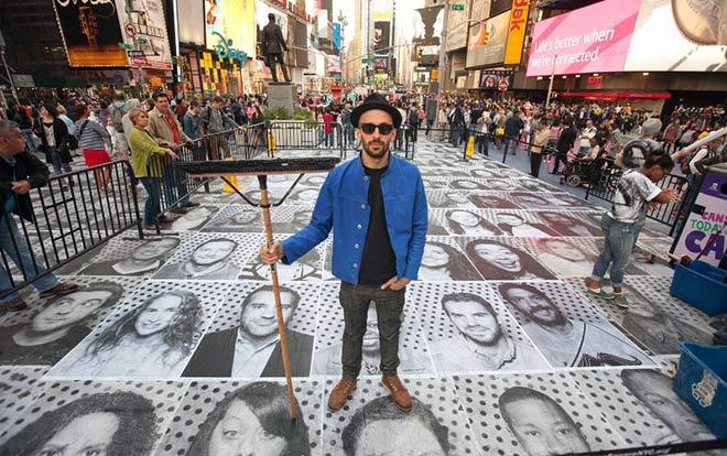 JR – Unframed, Street Art Photography