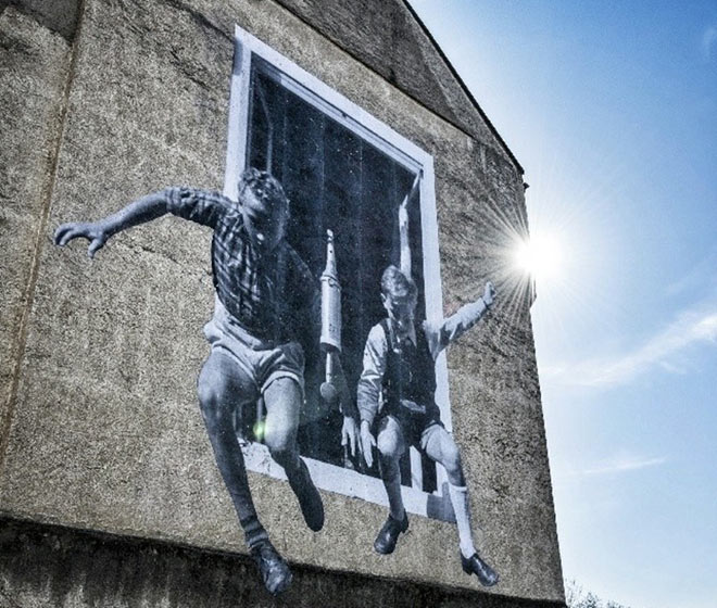 JR - Unframed, Street Art Photography