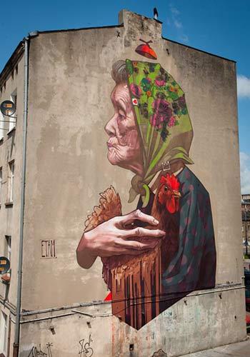 Urban Street Art - Madamme Chicken