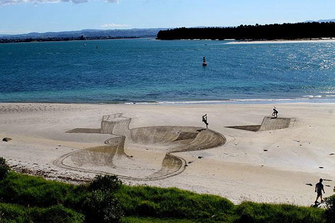 Jamie Harkins – Disegnare sulla spiaggia in 3D
