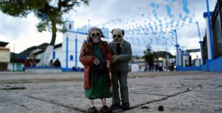 Isaac Cordal - Cement Eclipses, Chiapas Mexico