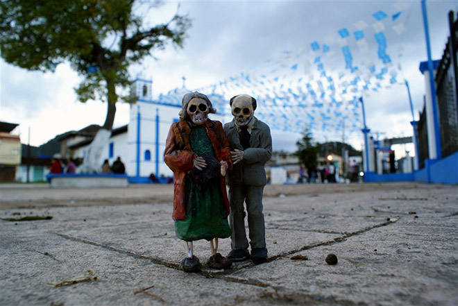 Cement Eclipses, Chiapas Mexico – Isaac Cordal