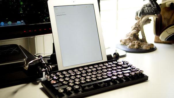 La macchina da scrivere come tastiera