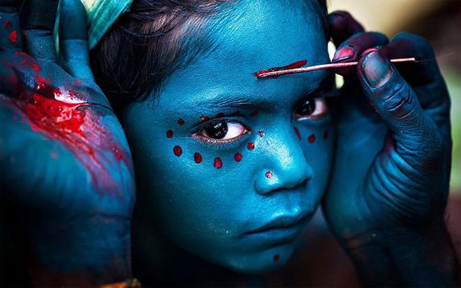 "Merit Prize Winner: ""Divine Makeover"" – Mahesh Balasubramanian"