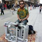 Pipe Guy – Musica con tubi e infradito