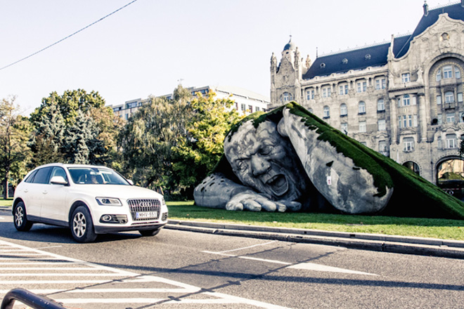 Feltépve (Ripped up), Budapest installation