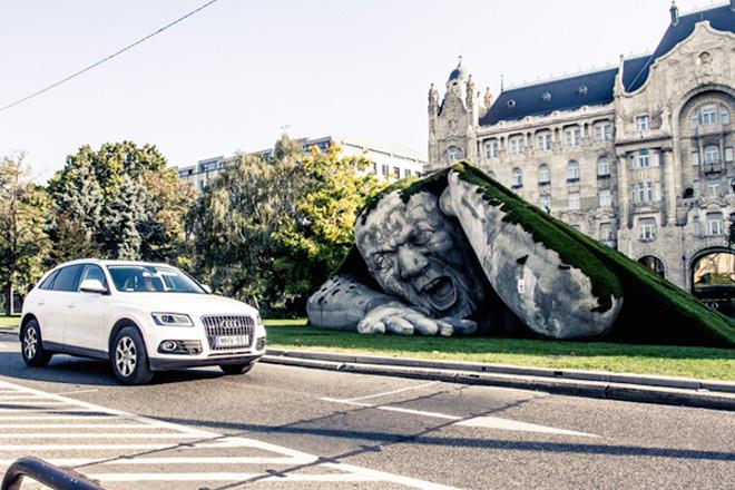 Feltépve (Ripped up), Budapest installation