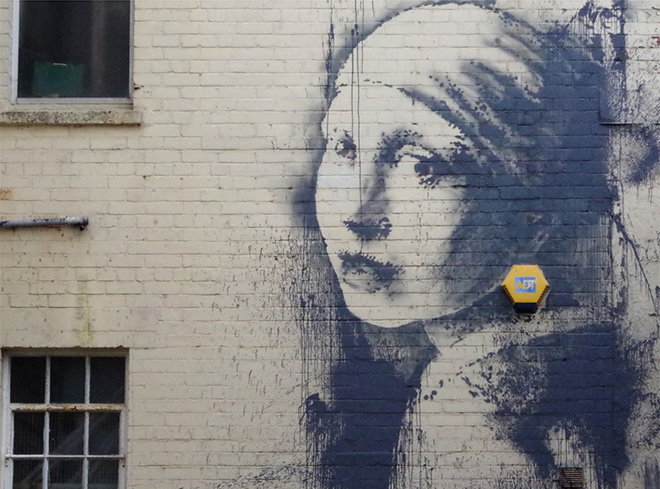 Banksy – The Girl with the Pierced Eardrum