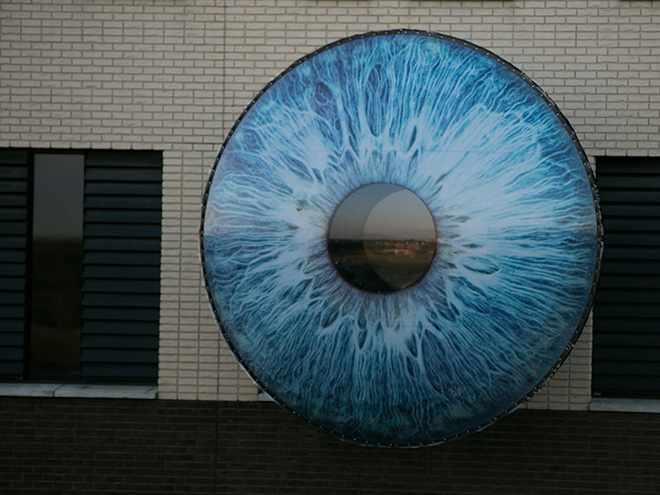 EYE installation - Pascal Leboucq and Lucas De Man
