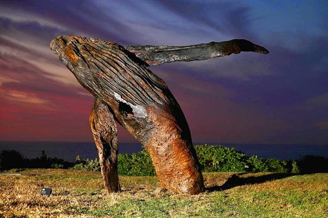Sculpture on the beach - Australia