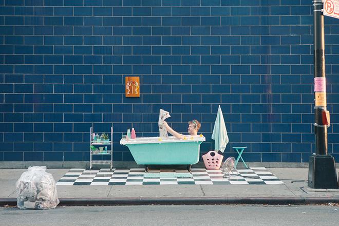Justin Bettman & Gözde Eker - Set in the street