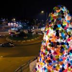 Luzinterruptus – Consumerist Christmas tree