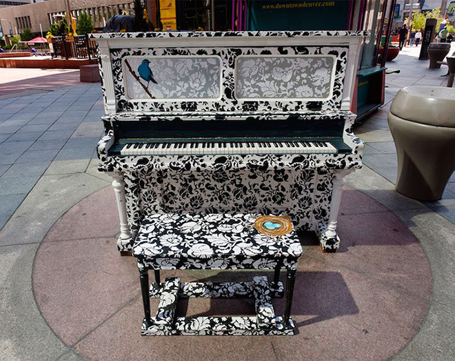 Street piano, Play me, I'm yours. Denver, Colorado, USA, 2011