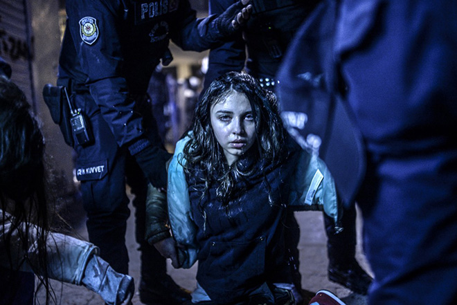 Bulent Kilic - Istanbul Protest - World Press Photo of the year 2014