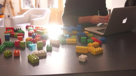 Gravity, Lego X - Progettare giocando