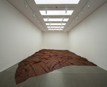 Doris Salcedo - A Flor de Piel, 2011–12. Rose petals and thread, 257 x 421 1/4 in. (652.8 x 1070 cm). Installation view, White Cube, London, 2012. Photo: Hugo Glendinning. Reproduced courtesy of the artist; Alexander and Bonin, New York; and White Cube.
