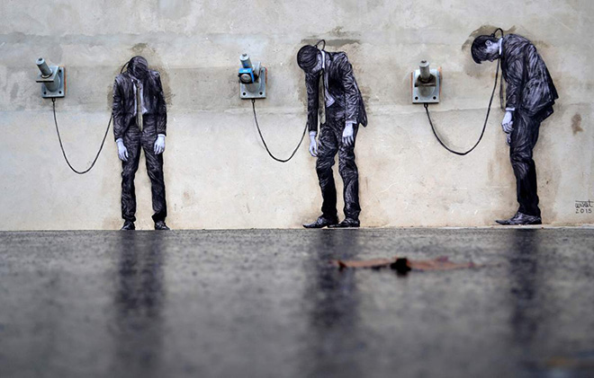 Levalet – New street art installation in Paris