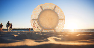 Britt Mikkelsen, ocean lace, Sculpture by the Sea, Cottesloe 2015. Photo Clyde Yee