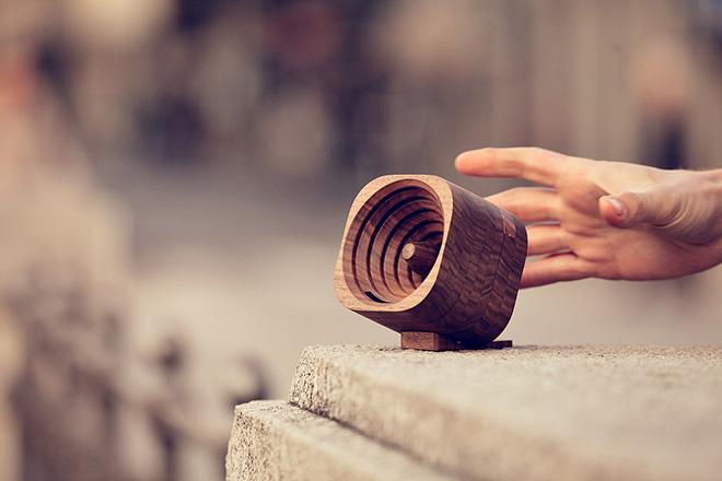 Trobla – L'amplificatore in legno per smartphone
