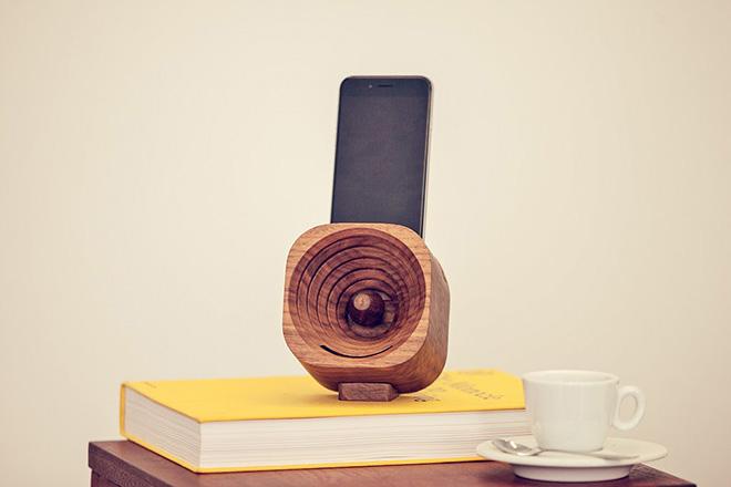 Trobla - L'amplificatore in legno per smartphone
