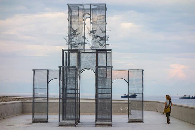 Edoardo Tresoldi - Incipit - Installazione per Meeting del Mare, 2015 presso Marina di Camerota. Photo credit: Fabiano Caputo