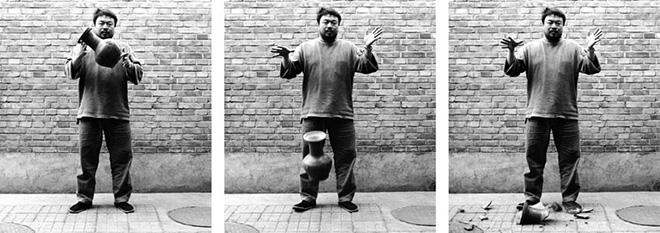 Ai Weiwei - Dropping a han dynasty urn, 1995.