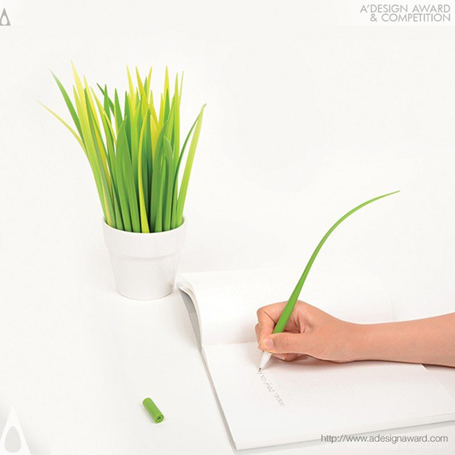 POOLEAF Plastic ball pen - Design by Sil Gi LEE, Chang youn KANG