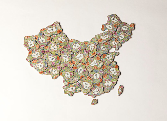 Ai Weiwei - Free speech puzzle, 2014, Hand painted porcelain in the Qing dynasty imperial style. 51 x 41 x 0.8 cm. Courtesy of Ai Weiwei Studio. Image courtesy Ai Weiwei Studio. © Ai Weiwei.