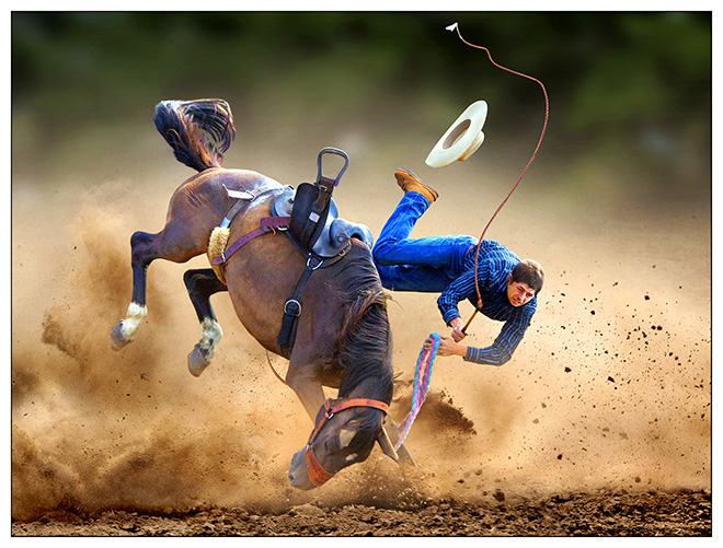 Joseph Tam (Australia) - Flying Horse, Taralga, New South Wales (Australia) - 2011.  1 classificato SPORT,  Siena International Photography Awards.