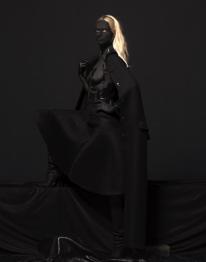 Mustafa Sabbagh, Venere Nera, 2015 - stampa fotografica lambda su dibond, cm 109x86 – ed. 1 di 5 + 1 PA , courtesy: l'artista, Fondazione Ferrara Arte, Casa Museo Boschi Di Stefano