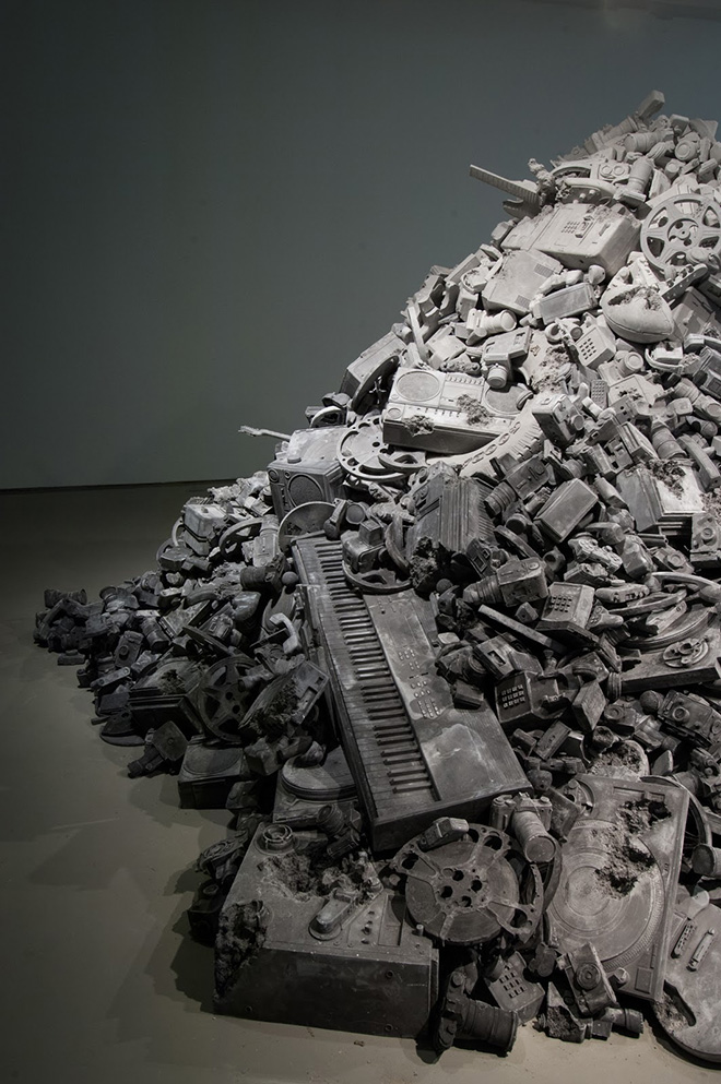 Daniel Arsham - Welcome to the Future, 2015, Courtesy of the Artist and Galerie Perrotin, New York/Paris