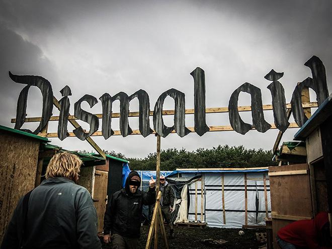 Banksy - Dismal Aid, Calais