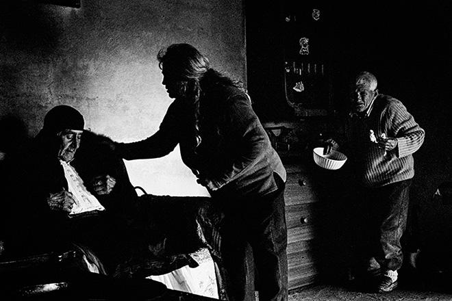 © Paola Favoino - Aje Burrneshe! Storie di Donne e Vergini Giurate