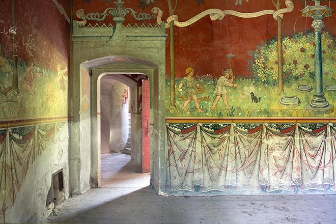 Silvia Camporesi - Castello / Castle Rovasenda (Piemonte), Atlas Italiae, 2015