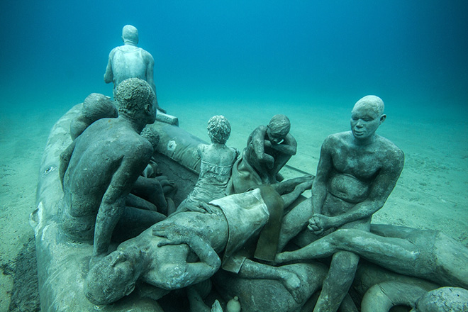 Jason deCaires Taylor - The Raft of Lampedusa 14m Museo Atlantico, Lanzarote, Spain
