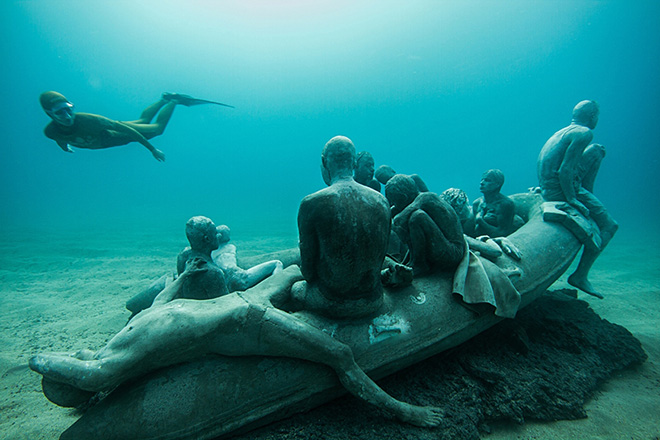 Jason deCaires Taylor - The Raft of Lampedusa 14m Museo Atlantico, Lanzarote, Spain