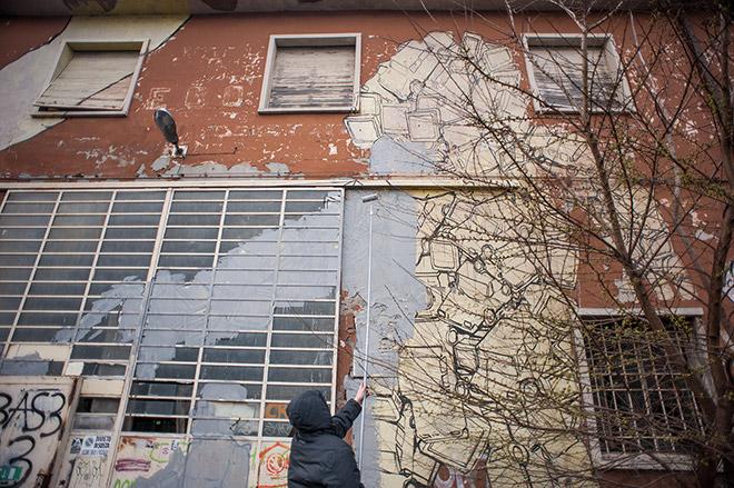 Blu cancella i murales realizzati a Bologna