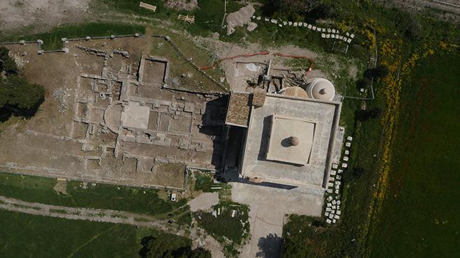 Edoardo Tresoldi - Santa Maria di Siponto, veduta dall'alto