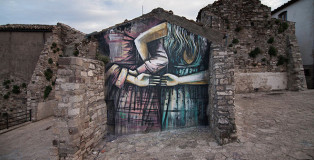 Alice Pasquini - Civitacampomarano, 2016. Photo credit: Alessia Di Risio
