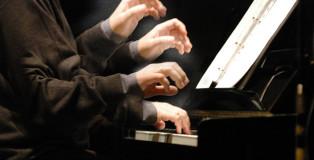 Girolamo De Simone, Le mani. photo credit: Antonio Coppola