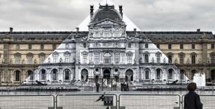 JR al Louvre - Installazione anamorfica