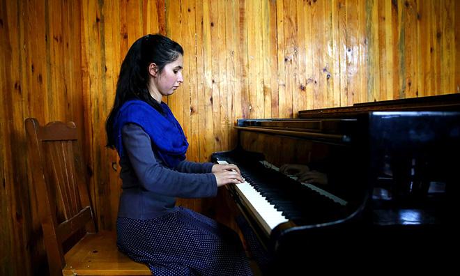 Negin Khpalwak –  Zhora Orchestra