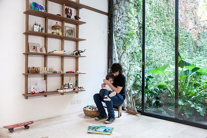 Alejandro Sticotti & Sudacas - Kids room