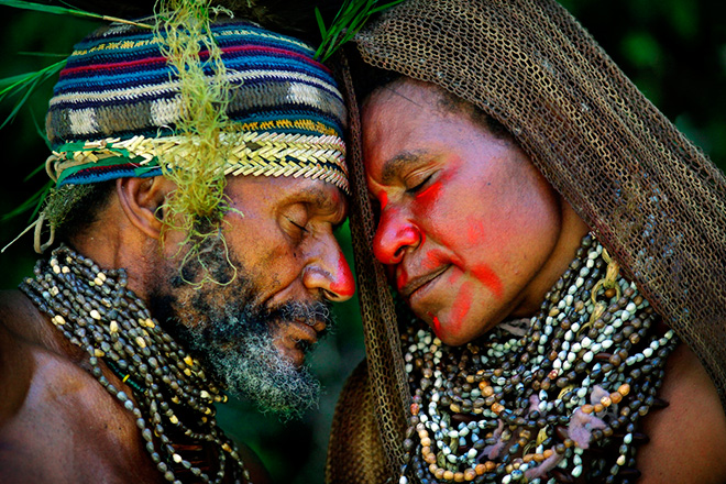 ©Timothy Allen - Courtship ritual, Western Highlands, Papua New Guinea